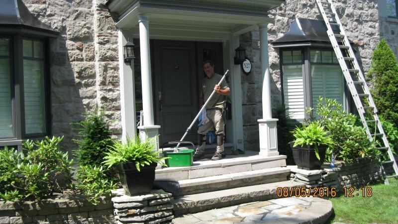 lavage de vitres lanaudi re la maison lg inc repentigny. Black Bedroom Furniture Sets. Home Design Ideas