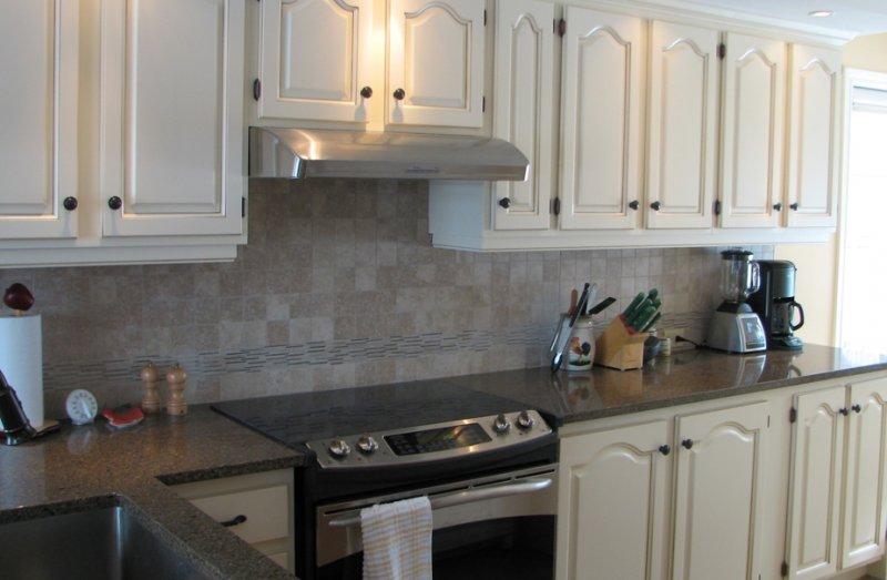 Finition jaro ascot corner - Peindre armoire de cuisine en chene ...